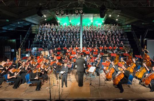 Sonoton Orchester Turnhalle St. Ulrich Konzert